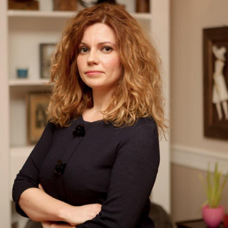 Dr Loredana Roman