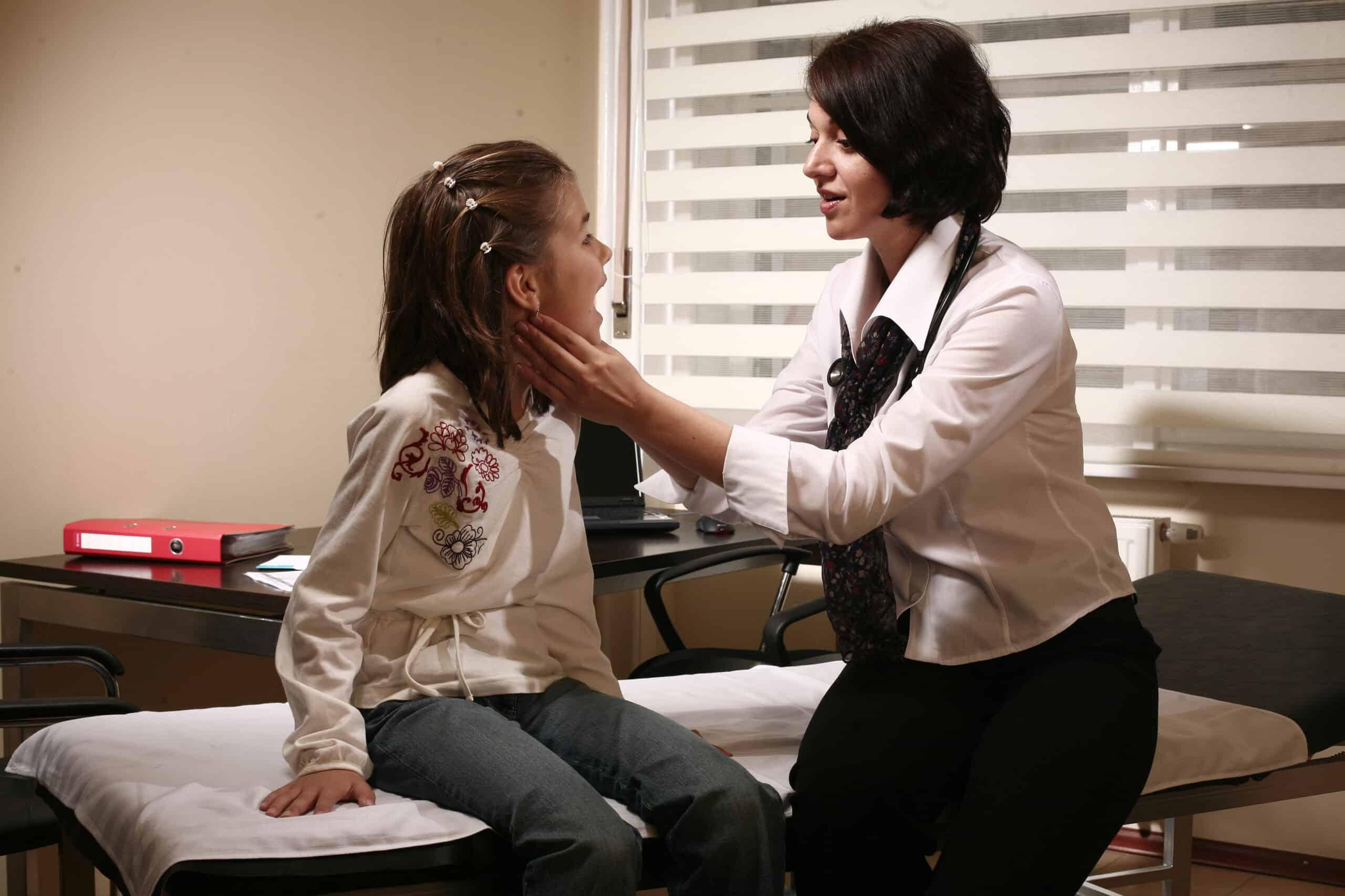 Baby Clinics: Nu tratăm copilași, ci îmbrățișăm minuni